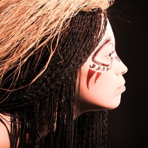 Frauentricks – weibliche Schönheitsideale und Make-up in verschiedenen Erdteilen