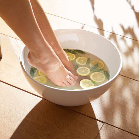 Fußpflege im Herbst – die besten Eingriffe und Pflegeprodukte