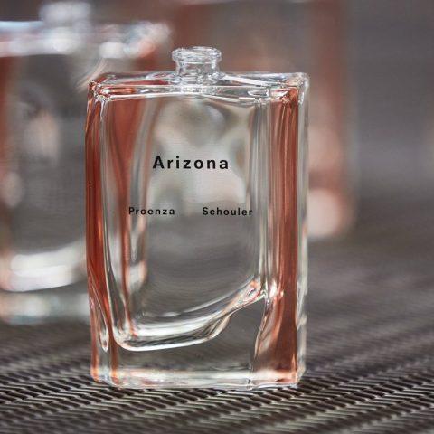 Das erste Parfüm von Proenza Schouler – Arizona