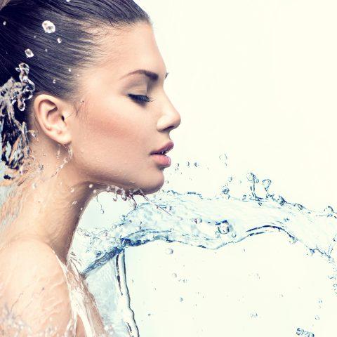 Aquaporine – was ist das und warum beeinflussen sie so gut meine Haut?