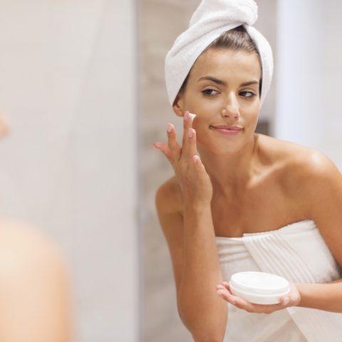 Hautpflege im Winter – die besten Pflegeprodukte und Make-up-Tricks
